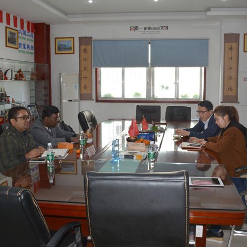 斯里兰卡客户到扬帆参观访问